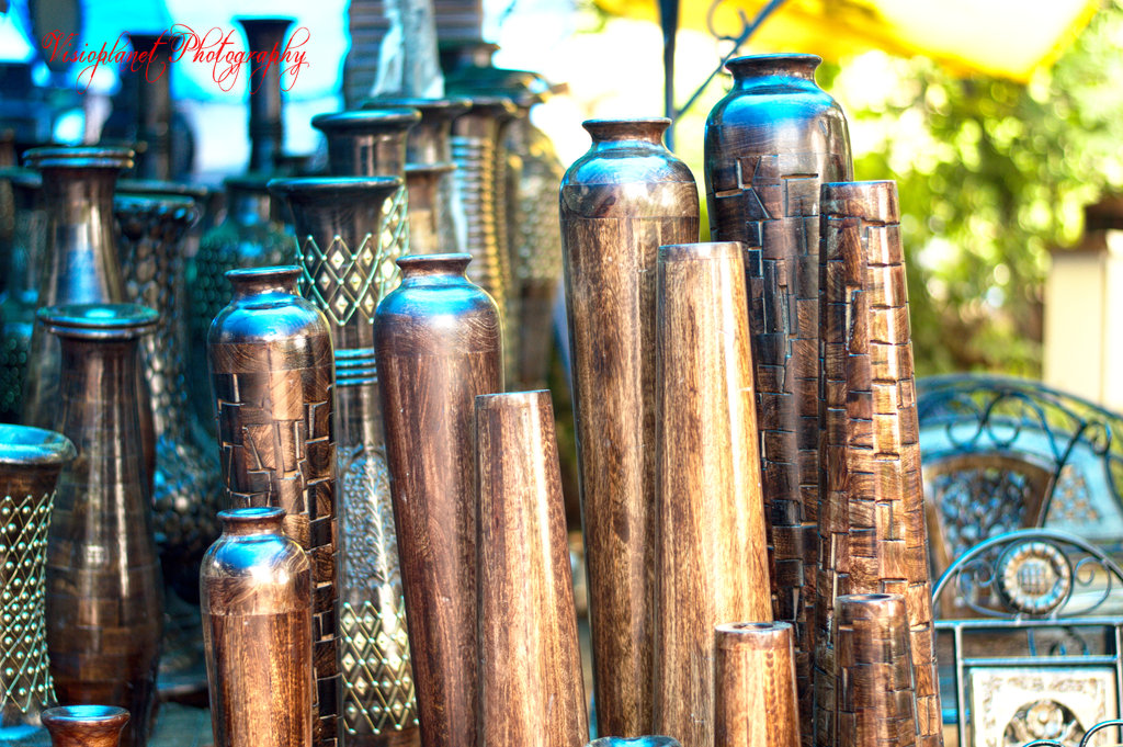Shiny wooden vases - Visioplanet Photography